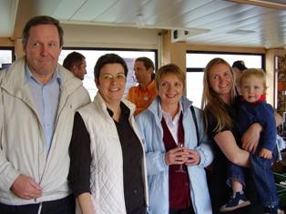 Vizebürgermeister Erwin Zeppetzauer, Gertrude Piontek, GV Christine Horn, Birgit und Lio Reja