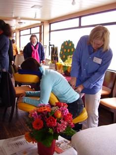 Gerda Prohaska bei einer Traditionellen Chinesischen Massage